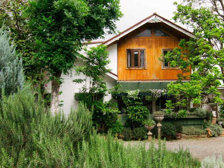 Rosemary House โฮมสเตย์ในสวนของป้าติ๋มวัย 61 ที่ใช้เวลา 8 ปี ปลูกโรสแมรีที่ อ.ปากช่อง