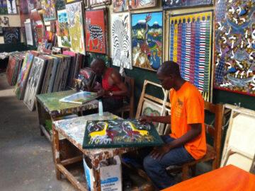 Tingatinga ภาพวาดไร้เดียงสาของหนุ่มบ้านนอก สู่สไตล์ภาพแอฟริกาตะวันออกที่ทั่วโลกอยากได้
