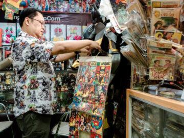 'ป๋าเอ็กซ์' นักสะสมการ์ตูนผีเล่มละบาท สู่การขับเคลื่อนวงการผีไทยไปทั่วโลก