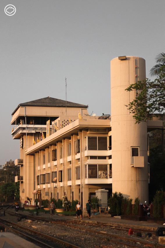 จากอนุสาวรีย์ช้างสามเศียรจนถึงตึกพัสดุ สำรวจสถาปัตยกรรมเก่าในพื้นที่สถานีรถไฟกรุงเทพ ที่ผ่านสงครามโลกมากับรถไฟไทย