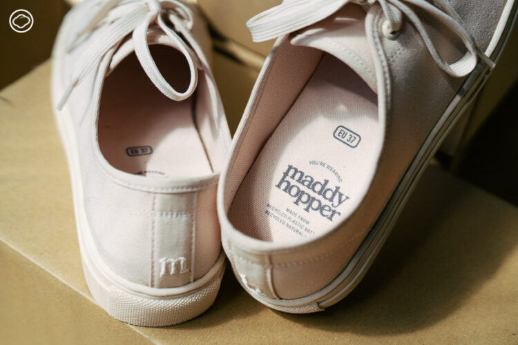 Maddy Hopper รองเท้าผ้าใบที่เป็นมิตรต่อสิ่งแวดล้อม ตั้งแต่ถุงไปรษณีย์ถึงเชือกรองเท้า