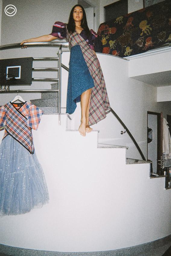 แง้มดูตู้เสื้อผ้าและตัวตนของ 'คารีสา สปริงเก็ตต์' ที่มาพร้อมความมั่นใจ ความรักการเดินทางและรักผ้าไทยสี่ภาค