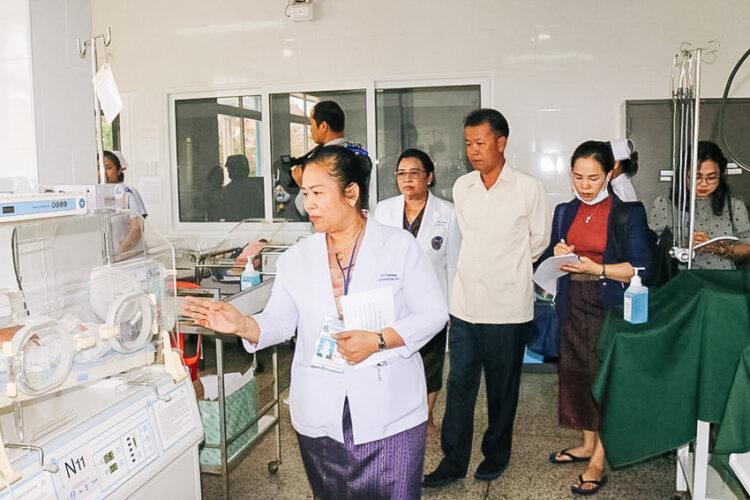 ดร.คำสิน พรมมะหาน แพทย์ สปป.ลาว ผู้ร่วมมือกับไทย รักษาประชาชนตะเข็บชายแดนไทย-ลาว เพื่อสาธารณสุขยั่งยืนไร้พรมแดน