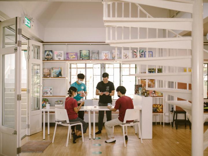 จากอาคารส่งเสริมการทอผ้าเก่าบนดอยตุง สู่ศูนย์เด็กใฝ่ดี พื้นที่สาธารณะที่ให้เด็กๆ มาสนุกกับการค้นหาสิ่งที่อยากเป็น