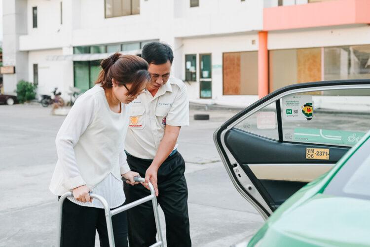 Go MAMMA บริการแท็กซี่รับ-ส่งผู้สูงอายุเจ้าแรกในไทย เน้นปลอดภัย และความสบายใจของลูกหลาน