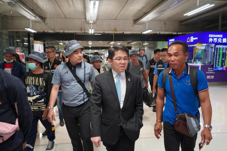 14 ภารกิจดูแลคนไทยในต่างแดนที่คุณอาจนึกไม่ถึงว่า นี่คืองานของสถานทูต
