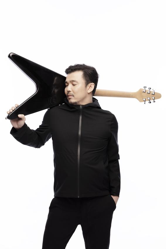 25 ปีบนถนนเสียงเพลงของ โป้-ปิยะ ศาสตรวาหา กับก้าวต่อไปของวงดนตรีรุ่นลุง Yokee Playboy