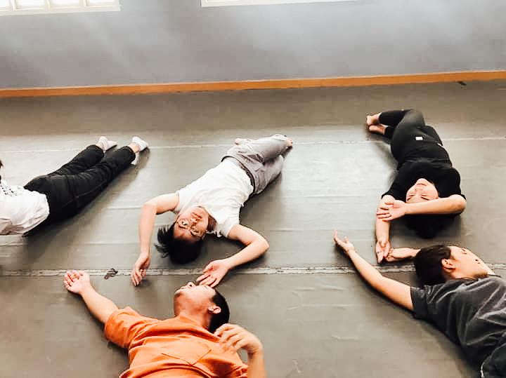 ทำความรู้จัก Contact Dance การเต้นนเดียวเพื่อเชื่อมโยงพื้นที่ภายในใจตัวเองกับสิ่งรอบข้าง เพื่อเพิ่มปัญญาญาณ