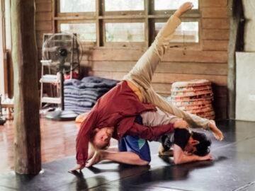 Contact Dance การเต้นคนเดียวตามใจไร้แบบแผน เพื่อผ่อนคลายจิตใจและเพิ่มสมาธิ