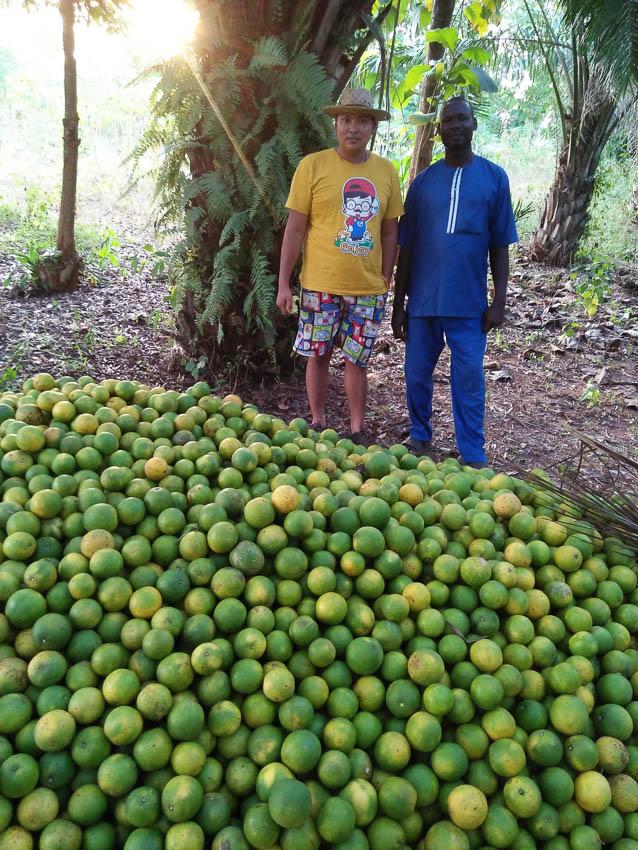 หนุ่ม ป.โทวิศวะ กับชีวิตอาสาสมัครจากเมืองไทย ไปแก้ปัญหานานาชนิดให้เกษตรกรในแอฟริกา