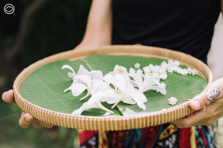 คุยกับครูนิด ผู้ร้อยดอกไม้และพืชผักสารพัดเป็นมาลัยแปลกใหม่สร้างสรรค์ เพราะเชื่อว่าความงามอยู่รอบตัว