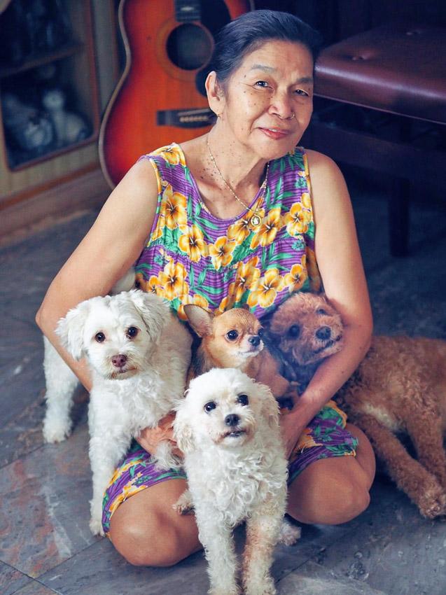 สนทนากับ 'มาลินดา เฮอร์แมน' วิดีโอครีเอเตอร์วัย 71 ที่ร้องเพลง-เล่นดนตรีกับหมาน้อย น่ารักจนคุณใจบางและเผลอยิ้มตามไม่รู้ตัว