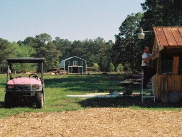 ชวนมารู้จัก WWOOF ทริปกินอยู่ทัวร์ฟาร์มในต่างแดนแบบฟรีๆ ที่ทั้งดีต่อโลกและดีต่อใจ