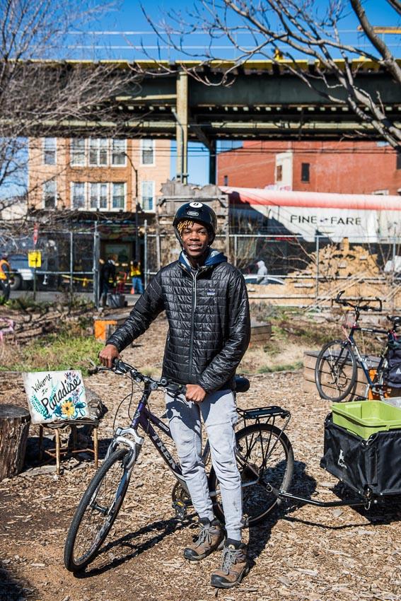 โปรเจกต์แก้ปัญหา Food Waste รับขยะอาหารจากบ้านและร้านค้ามาเปลี่ยนเป็นปุ๋ยให้สวนชุมชนในนิวยอร์ก โดยคนตัวเล็กๆ ที่อยากเห็นโลกดีขึ้น