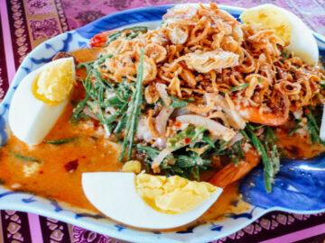 ยำ และสารพัดจานครีเอทีฟของคนไทย ที่มาจากนิสัยขี้เหนียวและการยืมสูตรต่างชาติ