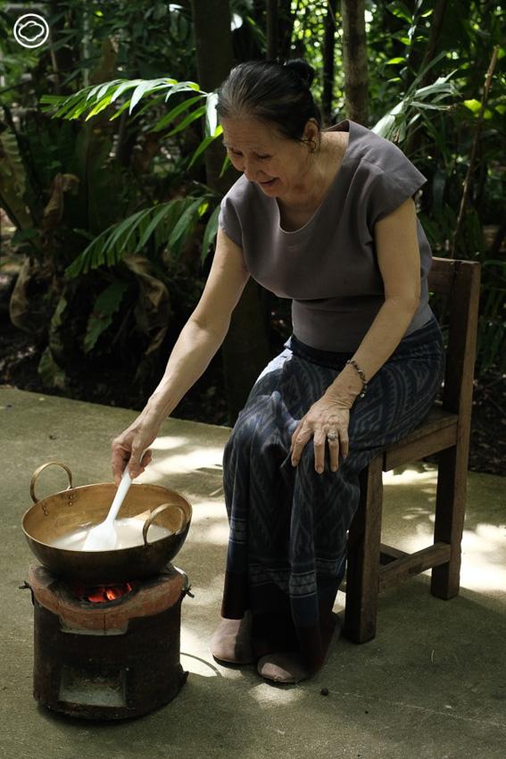 สอนวิธีทำบัวลอยน้ำกะทิจากลูกจัน และปรับใช้ได้กับพืชผลเนื้อแน่น