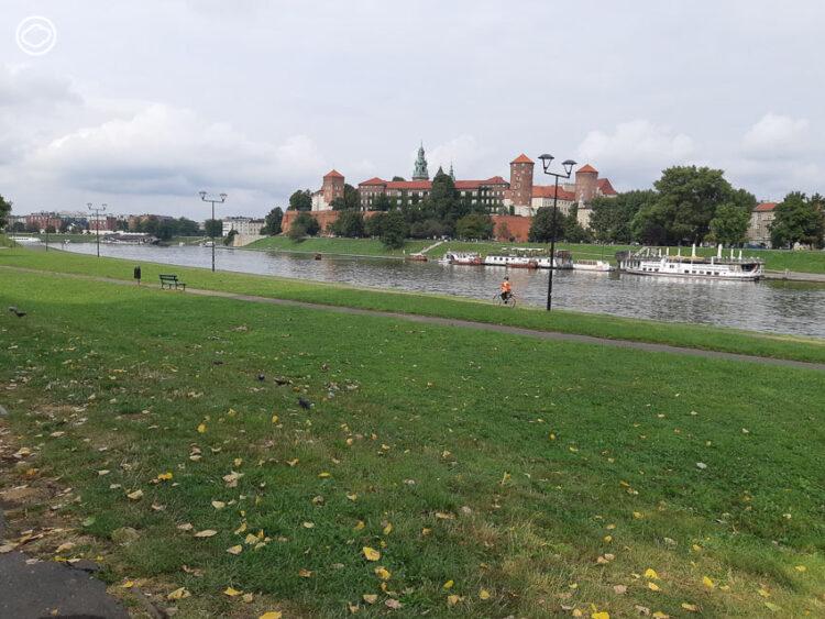 เที่ยววันสบายๆ แวะปราสาท ดูงานศิลปะ จนหลงรัก Krakow เมืองเก่าแก่ที่สุดของโปแลนด์