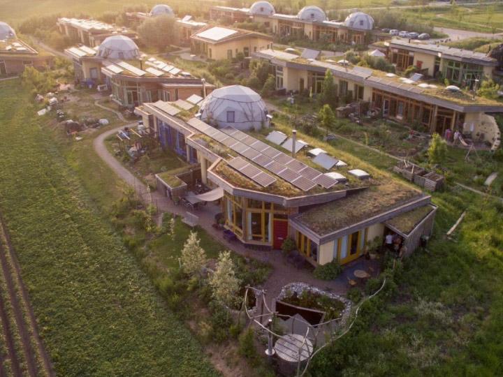 The Aardehuizen หมู่บ้านพึ่งตัวเองในเนเธอแลนด์ ผลิตไฟฟ้าใช้เองและไม่ทิ้งภาระให้โลก
