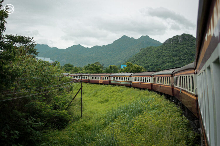ขึ้นขบวนรถไฟไปแบบอาหาร 3 คอร์ส พร้อมเสิร์ฟธรรมชาติและประวัติศาสตร์ ให้การเดินทางไปโคราชครบเครื่องตั้งแต่ต้นจนจบ