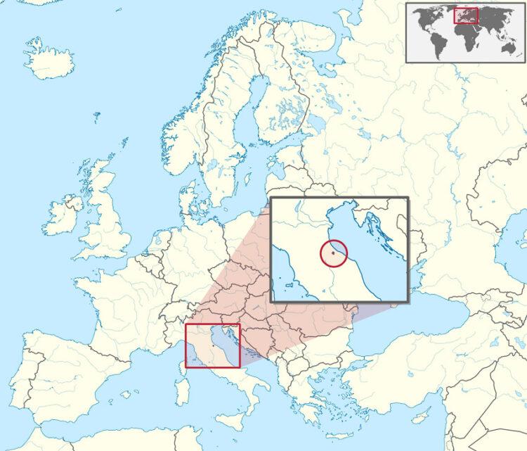 ในรองเท้าบูตยักษ์นี้มีประเทศอื่นแทรกอยู่ด้วย และอิตาลีเองก็มีดินแดนแทรกอยู่ในประเทศอื่นเช่นกัน