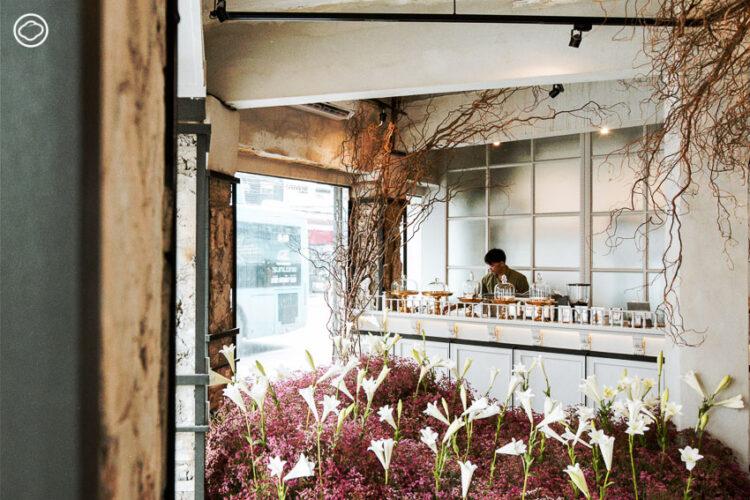 มาลี คาเฟ่แกลเลอรี่ ณ สี่แยกบ้านหม้อ ที่เสิร์ฟดอกไม้ไทย อาหาร และงานศิลปะในคราวเดียว
