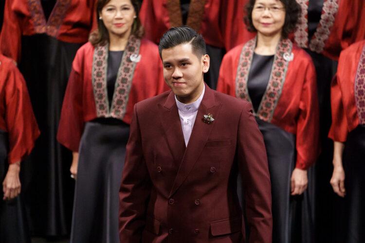 ธนาวุฒิ ศรีวัฒนะ ผู้พาวงประสานเสียงหญิงทับทิมสยามชนะเหรียญทองครั้งแรกของไทย