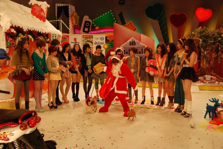 'Strawberry Cheesecake' วาไรตี้โชว์แห่งความสดใสกับแก๊งสาวๆ วัยรุ่นพรีทีน ผ่านมุมมองของคนเบื้องหลัง จันทร์จิรา จูแจ้ง